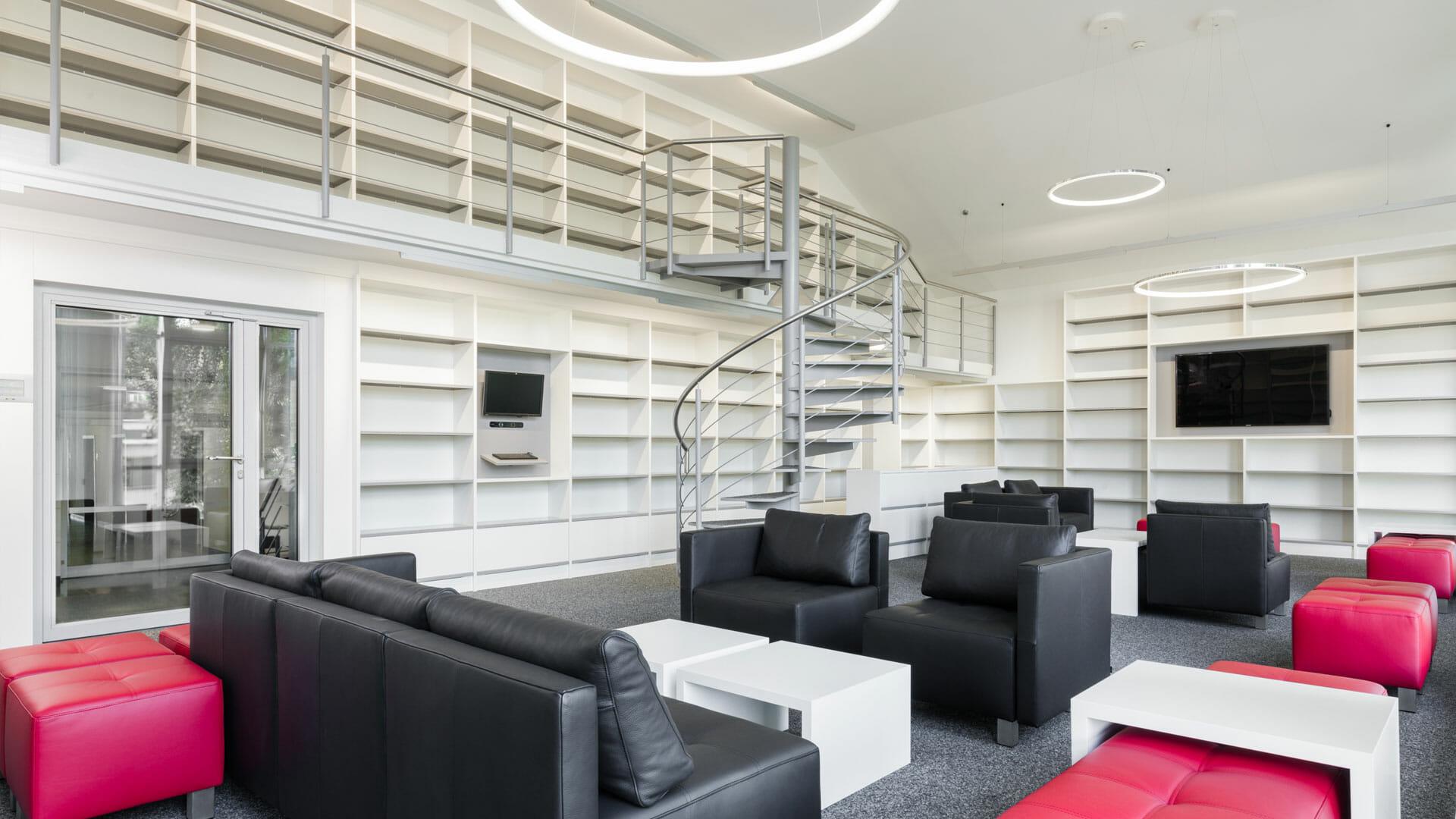 Bibliothek it Lesesesseln