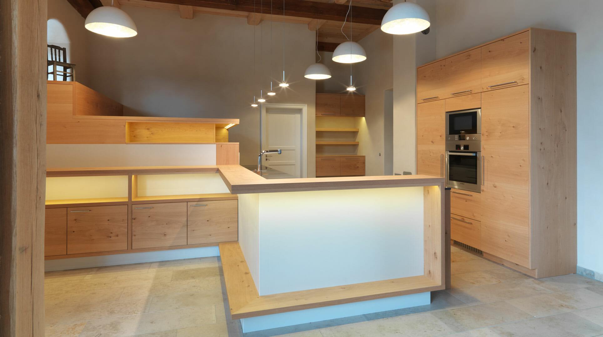 moderne Massivholzküche aus Asteiche