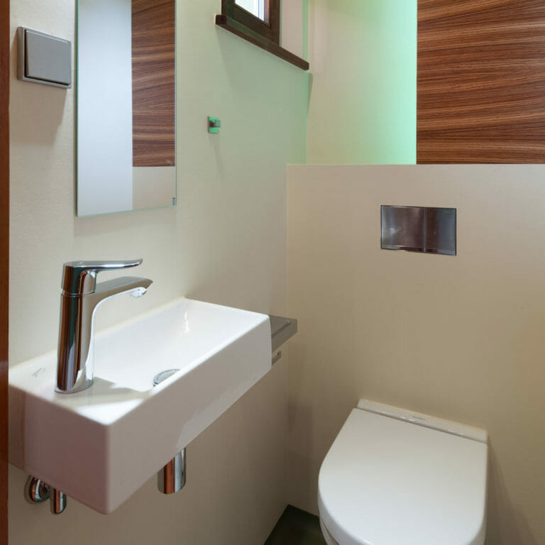 Gäste WC mit Einbaumöbel