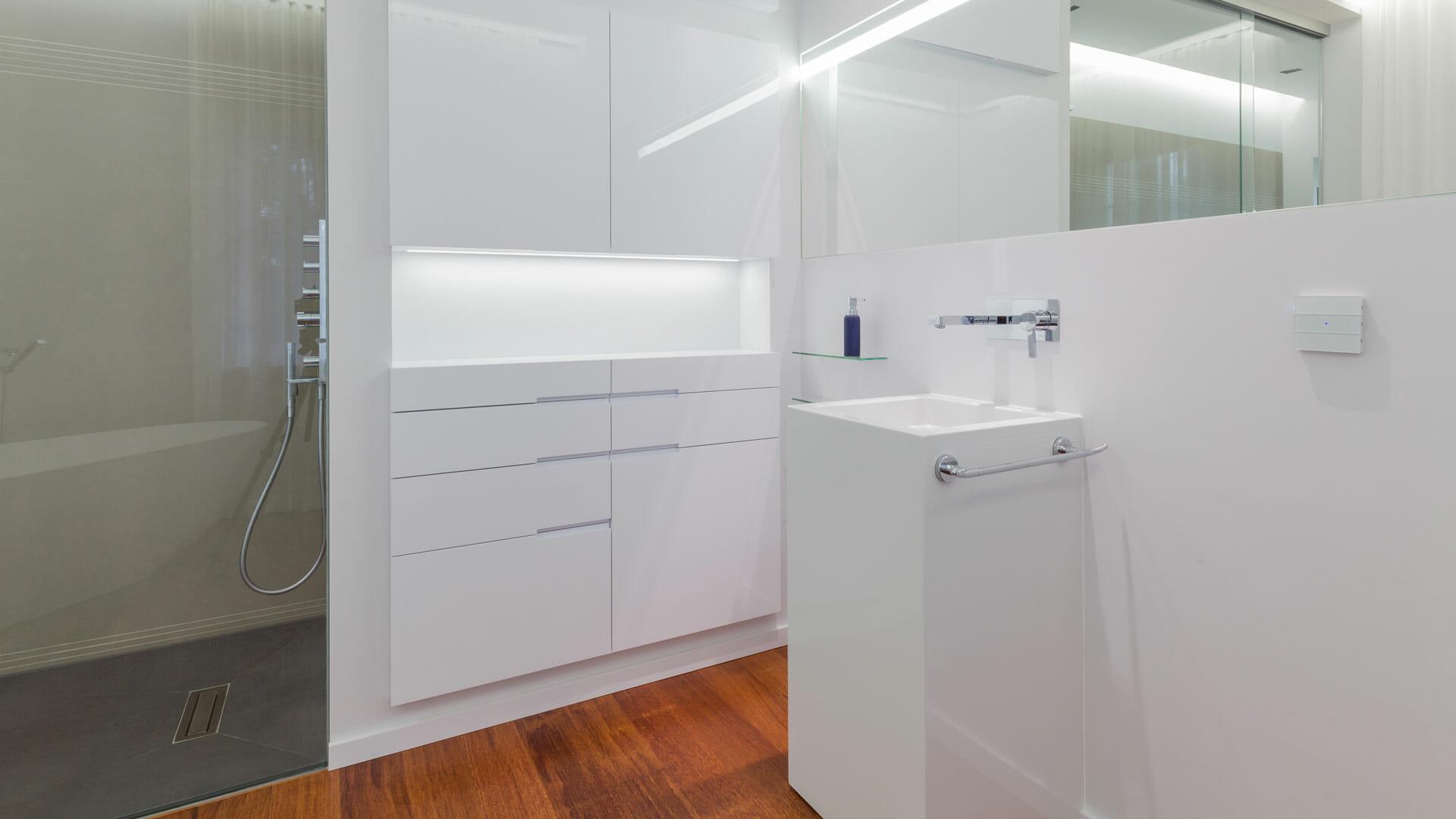 helles offenes badezimmer design diemeistertischler. Black Bedroom Furniture Sets. Home Design Ideas