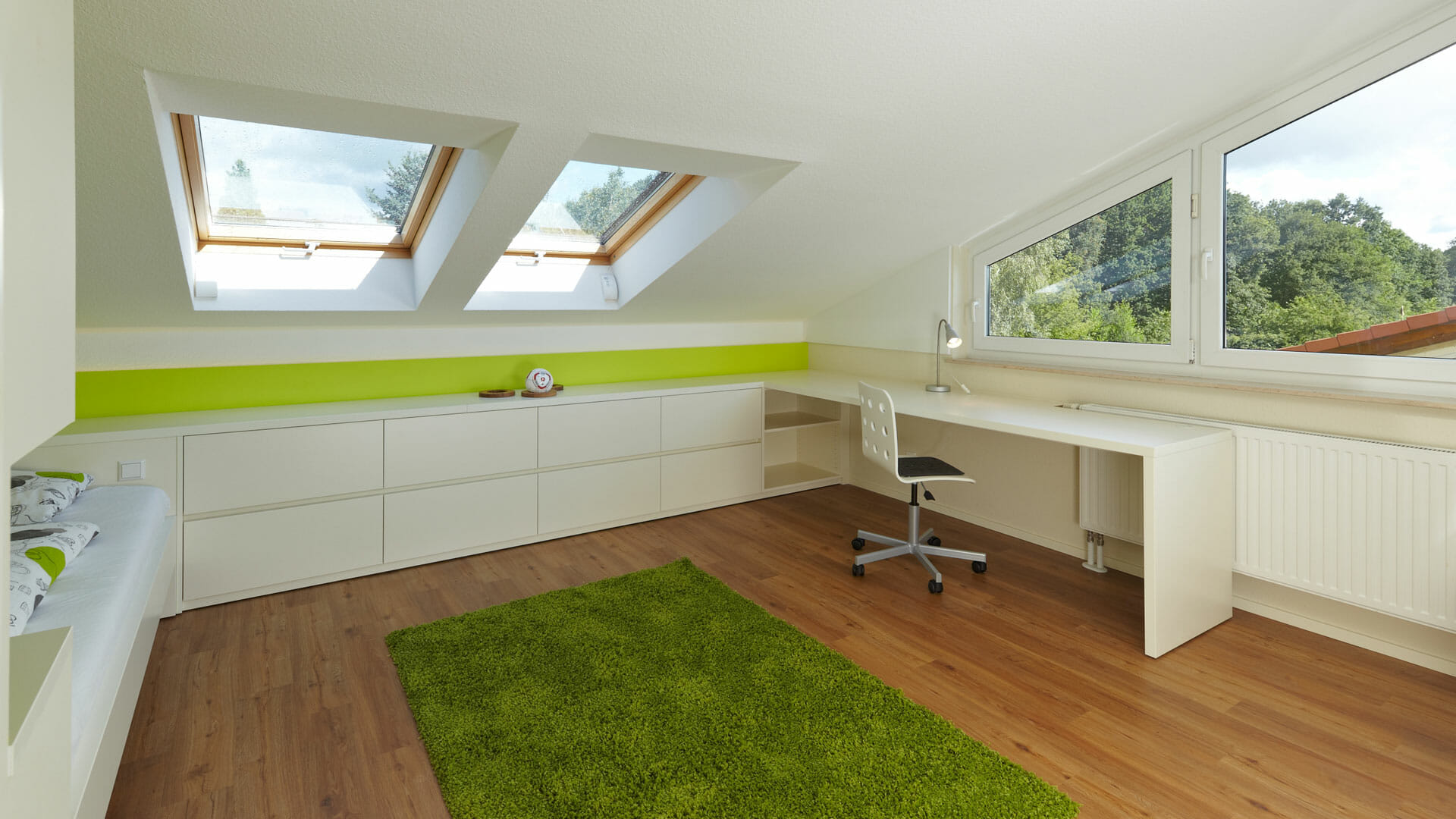 praktische Einbaumöbel für Jugendzimmer | dieMeisterTischler